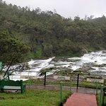 Pykara Lake and Pykara Falls照片