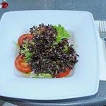 Blattsalat mit Tomaten
