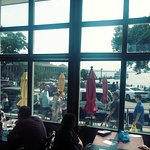 Foto de Popeye's on Lake Geneva