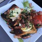 Salade de chèvre chaud sur toast carbonisé !