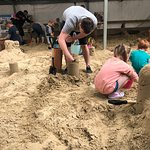 Getting some top tips on how to build perfect sand castles