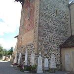 Campanile e chiesa di San Pancrazio nel cimitero fuori il borgo di Glorenza