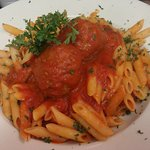 penne pasta and meatballs