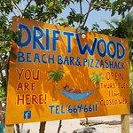 Foto de driftwood beach bar & pizza shack