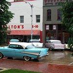 Bentonville Town Square의 사진
