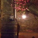 Zdjęcie Tiny's & The Bar Upstairs
