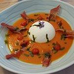 gaspacho tomate mousse de chèvre frais (un délice)
