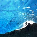 Un plus: visita a una cueva recientemente formada