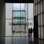 Armani Silos resmi