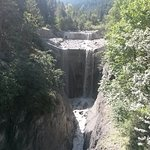 Rivière et cascades...