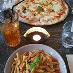 Фотография Fratelli - Pizza Pasta Bar