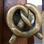 Love the door handle!