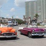 Un paseo por La Habana en uno de estos coches es algo que no deberíamos perdernos en nuestra vis