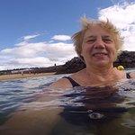 Чтобы друзья мне поверили, что я купалась на пляже, пришлось сделать селфи.