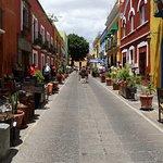 صورة فوتوغرافية لـ Alley of the Frogs (Callejon de los Sapos)