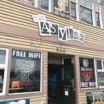 Foto de The Asylum Bar