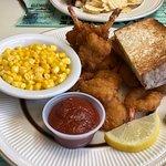 Фотография Hometown Family Restaurant