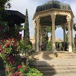 Tomba del poeta Hafez