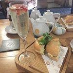 Prosecco and Bagel!