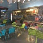Ambiance chaleureuse au Foodtruck du CityBeach! Tous les plats sont faits maison et ça se sent d