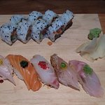 Chef's Choice Sushi Lunch: incl. Spicy Tuna Roll