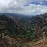 a view of the canyon at the end of the one hour hike - spectacular