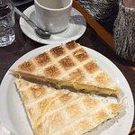 Photo de Tolon Cafe