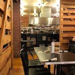 Foto Gella's Diner & Lb. Brewing Co.