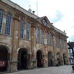 صورة فوتوغرافية لـ Shire Hall Monmouth