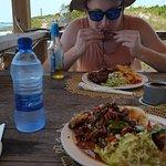 Tropic Breeze Beach Bar & Grill Foto