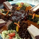 HORN OF AFRICA KIRCHAT MIX - A selection of six different vegetarian and non-vegetarian dishes