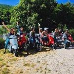 """scoot nomad 10 amis en vadrouille à scooter avec bivouac """"sauvagement organisé"""""""