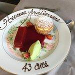"""Dessert autour de la Fraise et sympathique décor """"anniversaire de mariage"""""""