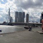 Foto de Erasmus Bridge
