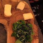 Assiette de fromages, kouign amann...