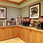 Hampton Inn and Suites Chicago / Aurora