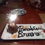 Para os aniversariantes essa linda e gostosa sobremesa!