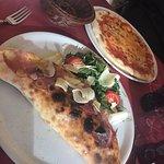 Foto de Pizzeria Kiste Pizza & Wine