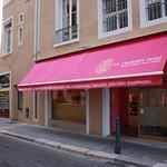 Bienvenue au Chardon Doré, rue Montorge au centre de Grenoble