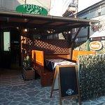 ecco l' ingresso Della Pizzeria...ciao amici a Presto!