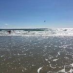Newgale Beach resmi