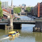 Bristol Ferryboat's 'Independence shoots Redcliffe Bridge