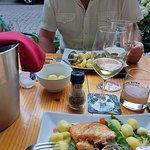 een heerlijke zammoot en fijne witte wijn