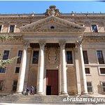 El Palacio de Anaya alberga actualmente la Facultad de Filología de la Universidad de Salamanca.