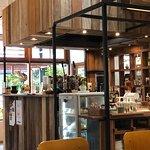 ภาพถ่ายของ Laan Tim's Cafe and Gallery