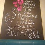 Foto de Zinfandel Food & Wine Bar