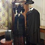 abiti d'epoca esposti nel castello di Donnafugata