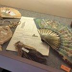 oggetti d'epoca esposti nel castello di Donnafugata