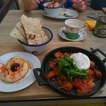 Lovely and tasty vegetarian lunches at Yellow Brick Cafe