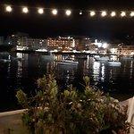 Foto de Otters Bistro & Lounge